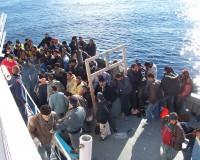英語脳メルマガ 第02338号 Hundreds of migrants are stranded outside a major railway station in the Hungarian capital, Budapest の意味は?