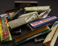 英語脳メルマガ 第02434号 Today, my mother went through my bag and found what she thought was rolling papers の意味は?