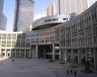 英語脳メルマガ 第02621号 Tokyo Gov Yoichi Masuzoe proposed Wednesday to halve his salary の意味は?