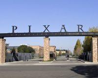 英語脳メルマガ 第02727号 Pixar went on to create the world's first computer animated feature film, Toy Story の意味は?