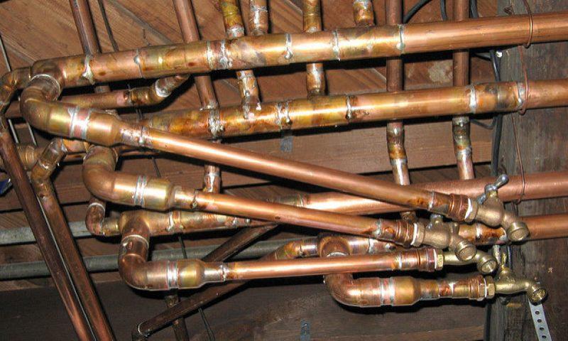 英語脳メルマガ 第02736号 Today, I found out that apparently the pipes for my toilet were never connected の意味は?