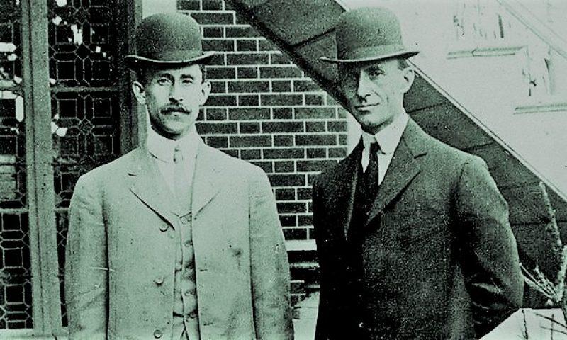 英語脳メルマガ 第03129号 And why is it that the Wright brothers were able to figure out controlled, powered man flight の意味は?