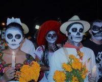 英語脳メルマガ 第03125号 Although actual Halloween is on a Tuesday this year, we expect Saturday night の意味は?