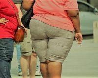 英語脳メルマガ 第03198号 Today, I discovered that my obese 57-year-old mother's flat-out refusal to close the door の意味は?