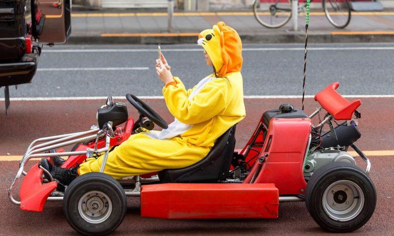 英語脳メルマガ 第03251号 Go-karts have become a common sight on Japan's busy streets, but safety concerns were raised の意味は?