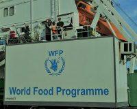 英語脳メルマガ 第03335号 A peace agreement with North Korea would go far toward easing the impoverished nation's chronic food の意味は?