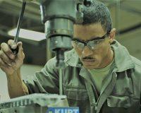 英語脳メルマガ 第03531号 英語脳 The envisaged new status for foreign workers in Japan is raising hopes in industries. の意味は?