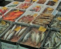 英語脳メルマガ 第03606号 After 80 years of selling fish and seafood of all types… の意味は?