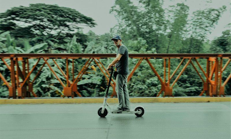 英語脳メルマガ 第03767号 The electric scooter and motorcycle market — which could be worth $14 billion by 2025… の意味は?