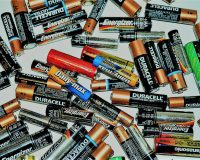 英語脳メルマガ 第03753号 The material is expected to increase the life of rechargeable batteries. の意味は?