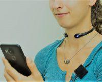 英語脳メルマガ 第03783号 Gokuri is placed around the neck to record swallowing sounds through a microphone. の意味は?