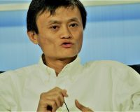 英語脳メルマガ 第04299号 Beijing is seeking to shrink Jack Ma's technology and financial empire の意味は?